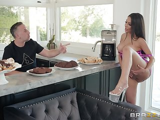 Hardcore missionary fuck in the kitchen with housewife Lela Star