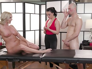 Massage session leads these two to a wild cock share